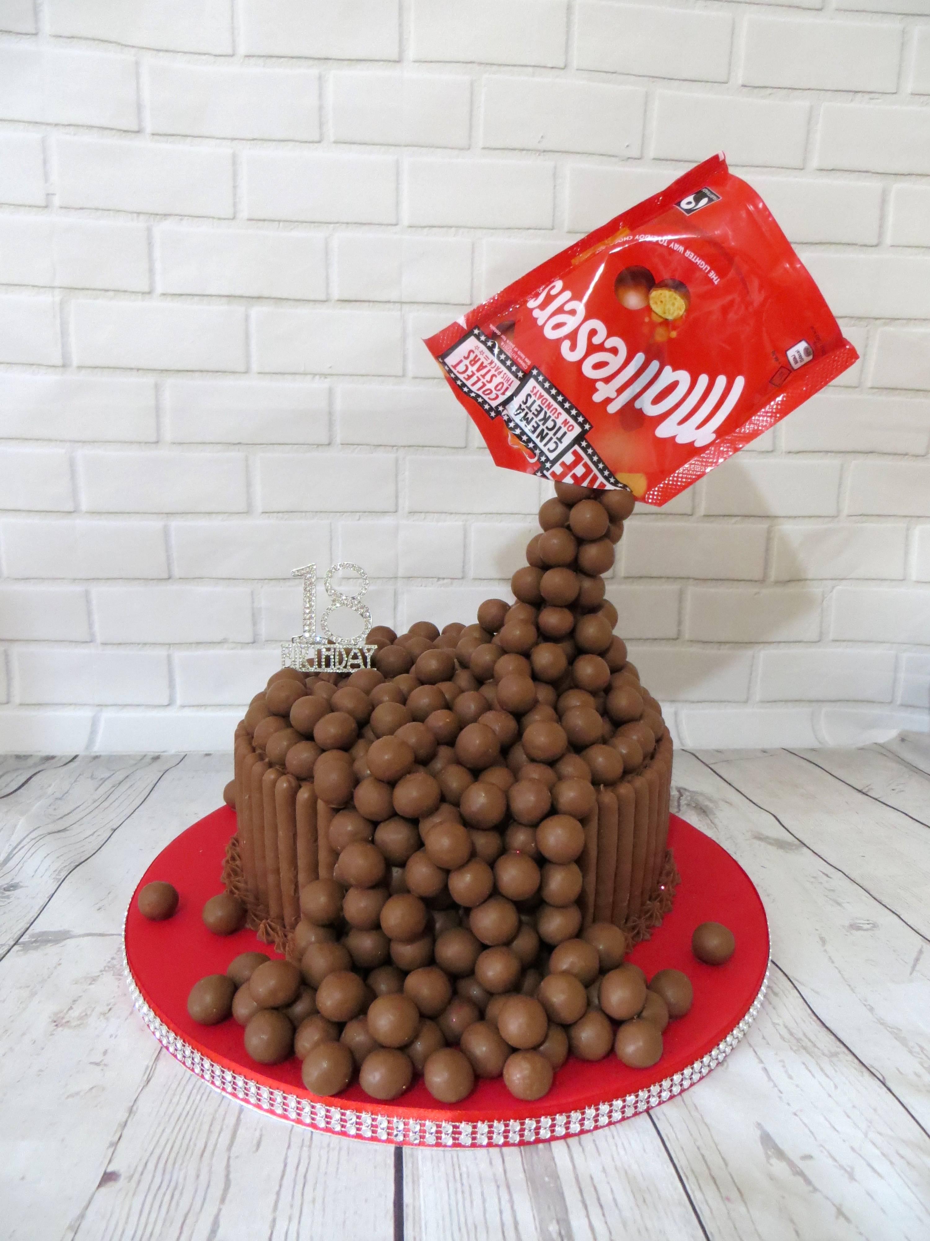 Malteser gravity cake