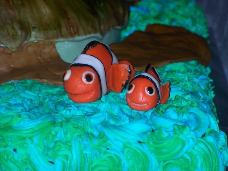 Finding Nemo Cake_Nemo and Dad