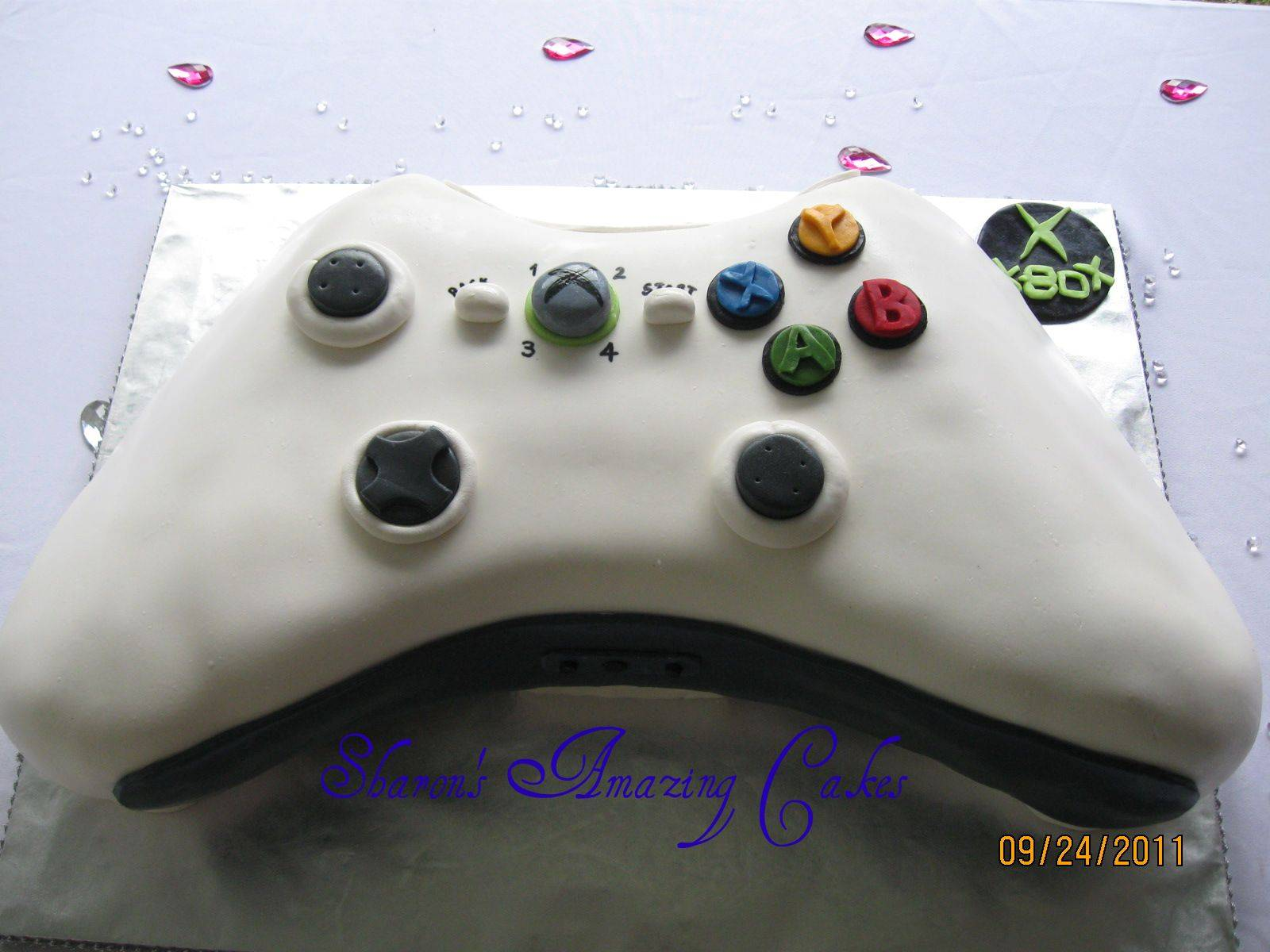 CAKE 16G -X-box Controller Cake - Front View