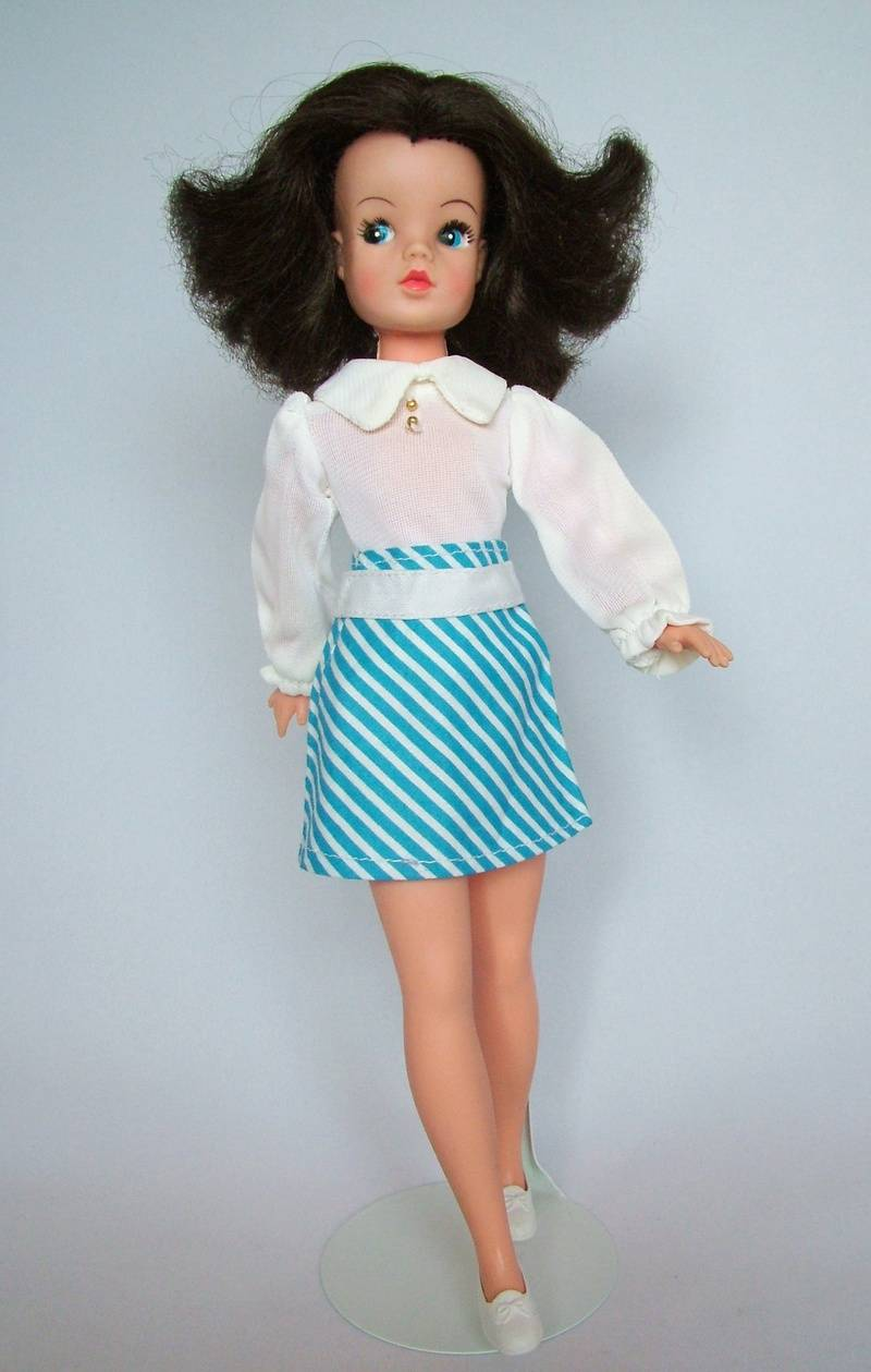 Fun Fashion - Blue and white striped skirt