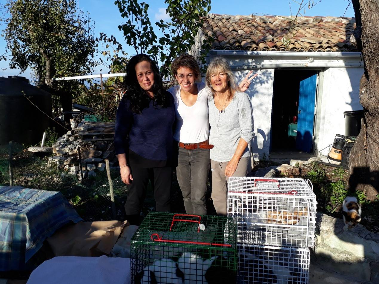Ioanna with Nefeli & Anna