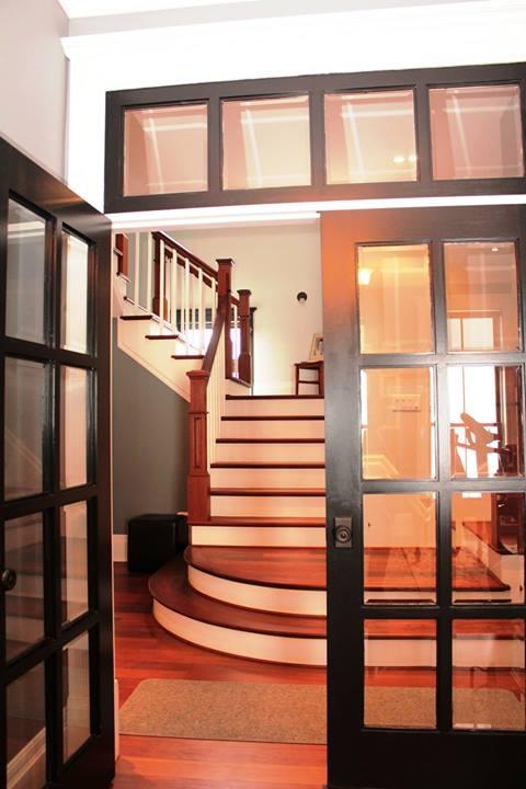 Escalier de bois franc