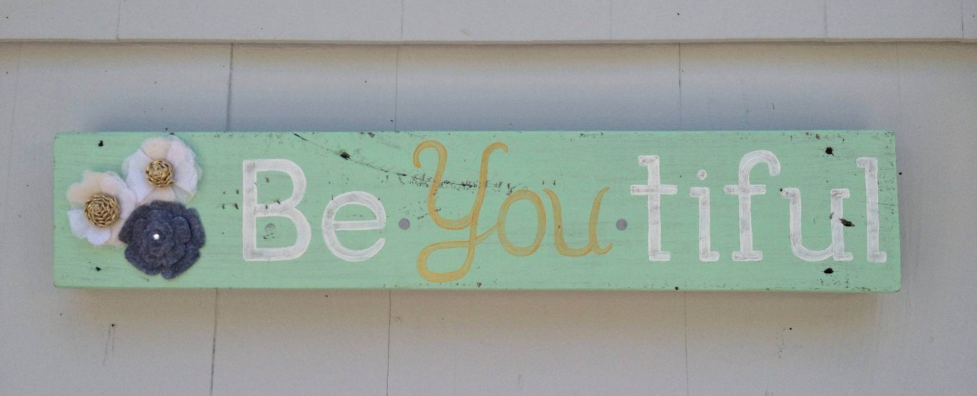 Be.You.Tiful mint & gold