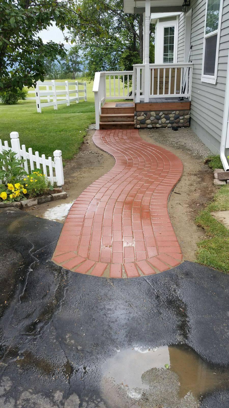 Paver Curved Sidewalk