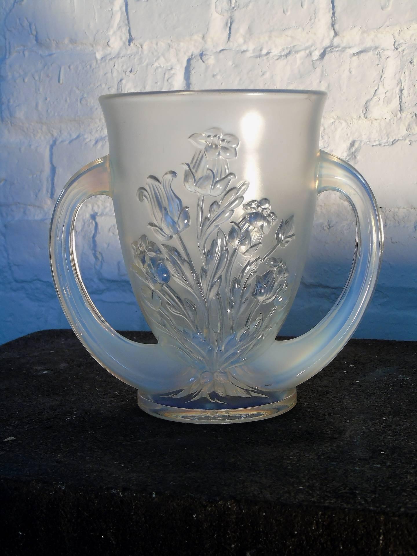 Vase opalescent Verlys France