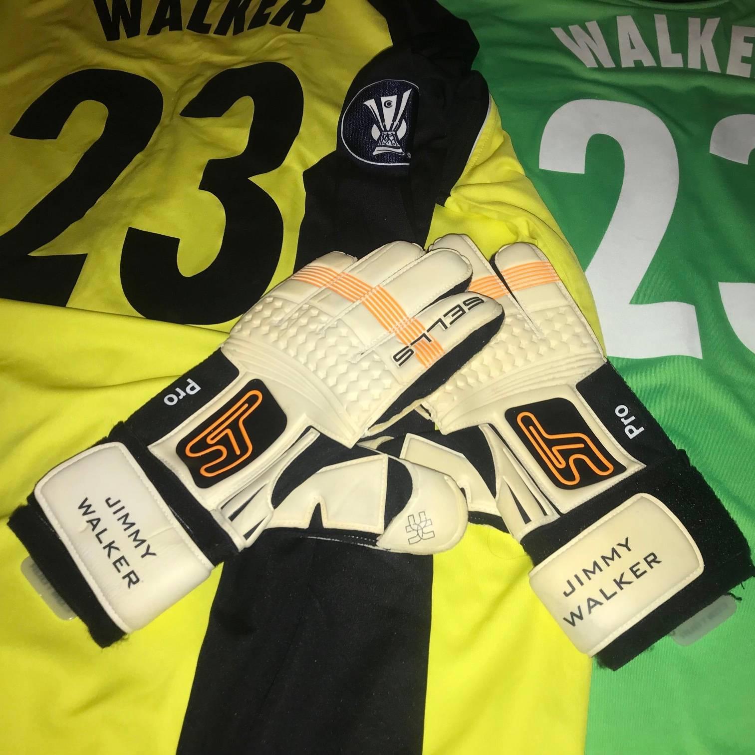Jimmy Walker match worn goalkeeper gloves