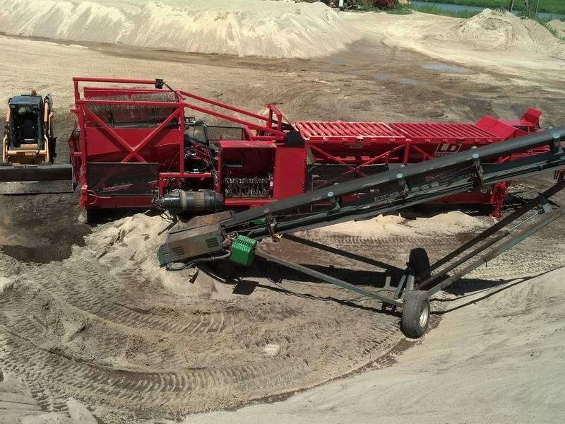 Soil Screener/Blender on job site