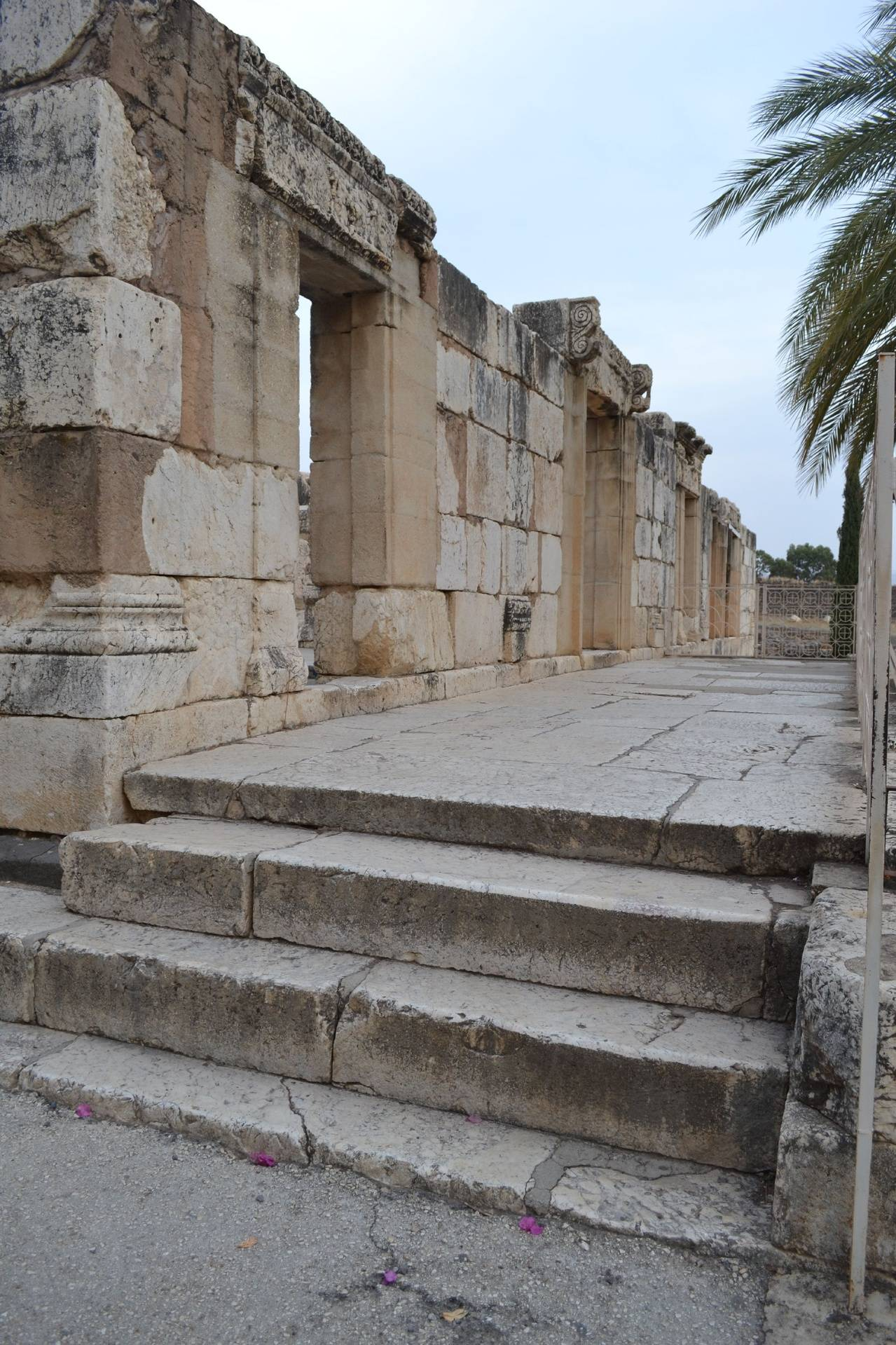 Steps into the Synagogue