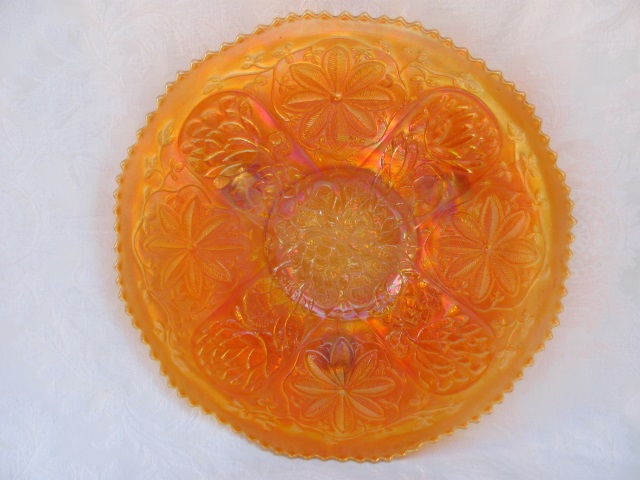 Waterlily ftd chop plate, marigold
