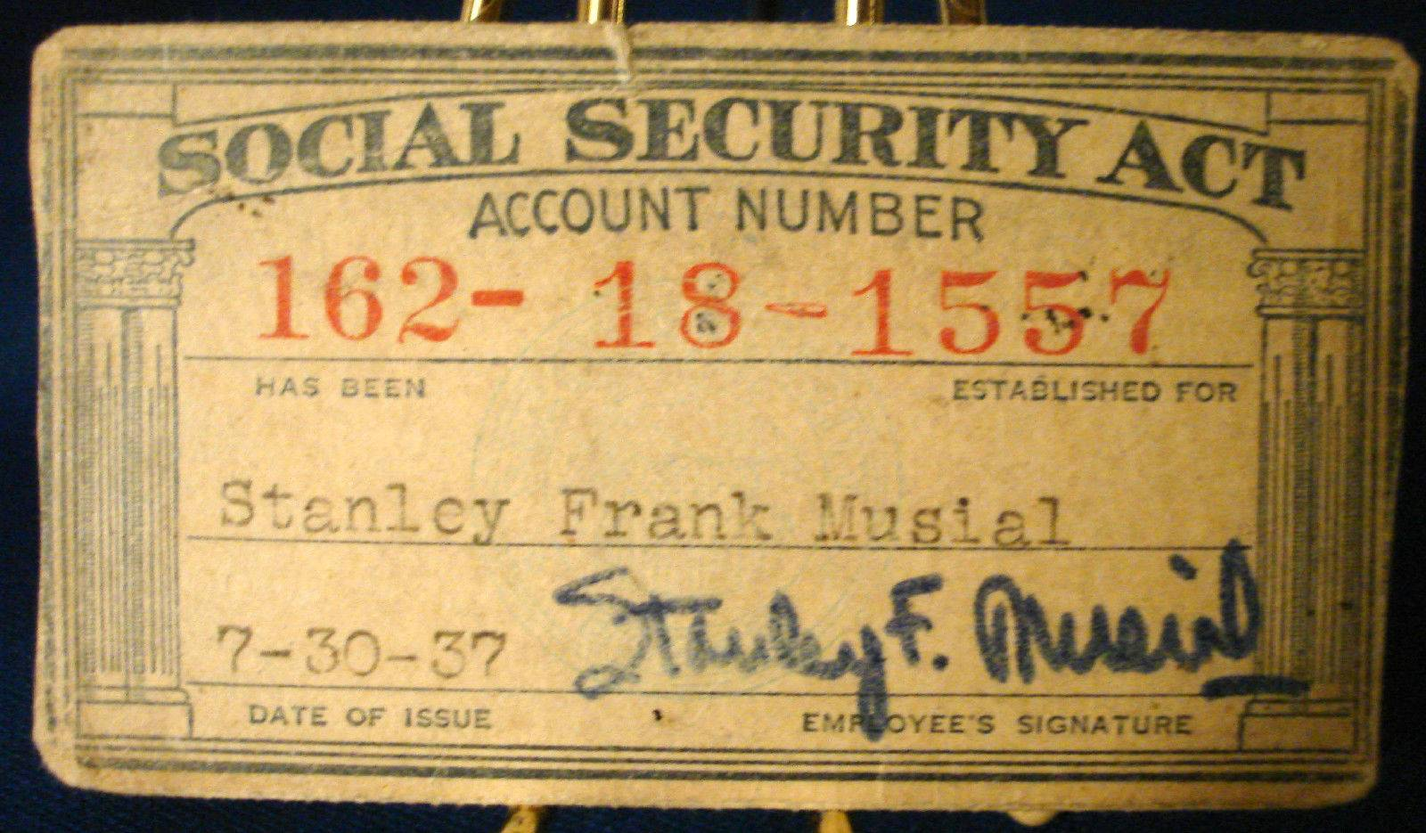 STAN MUSIAL's OWN 1937 Social Security Card FROM MUSIAL ESTATE