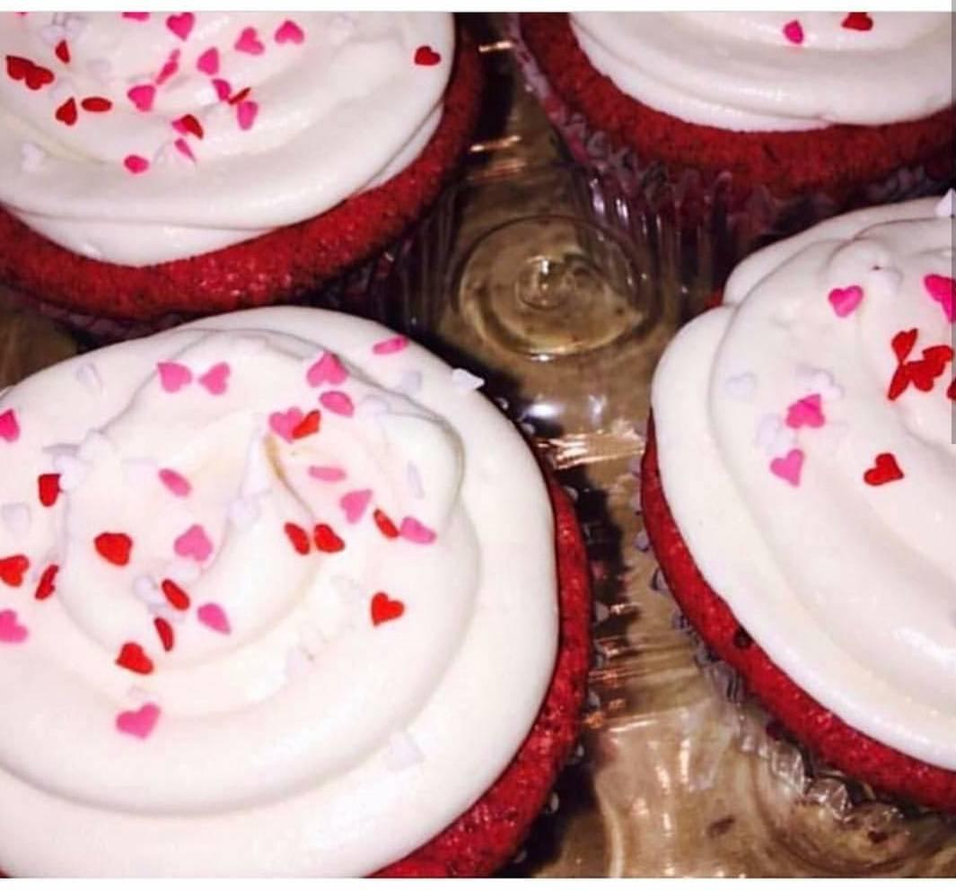 Red Velvet Brownie-cakes