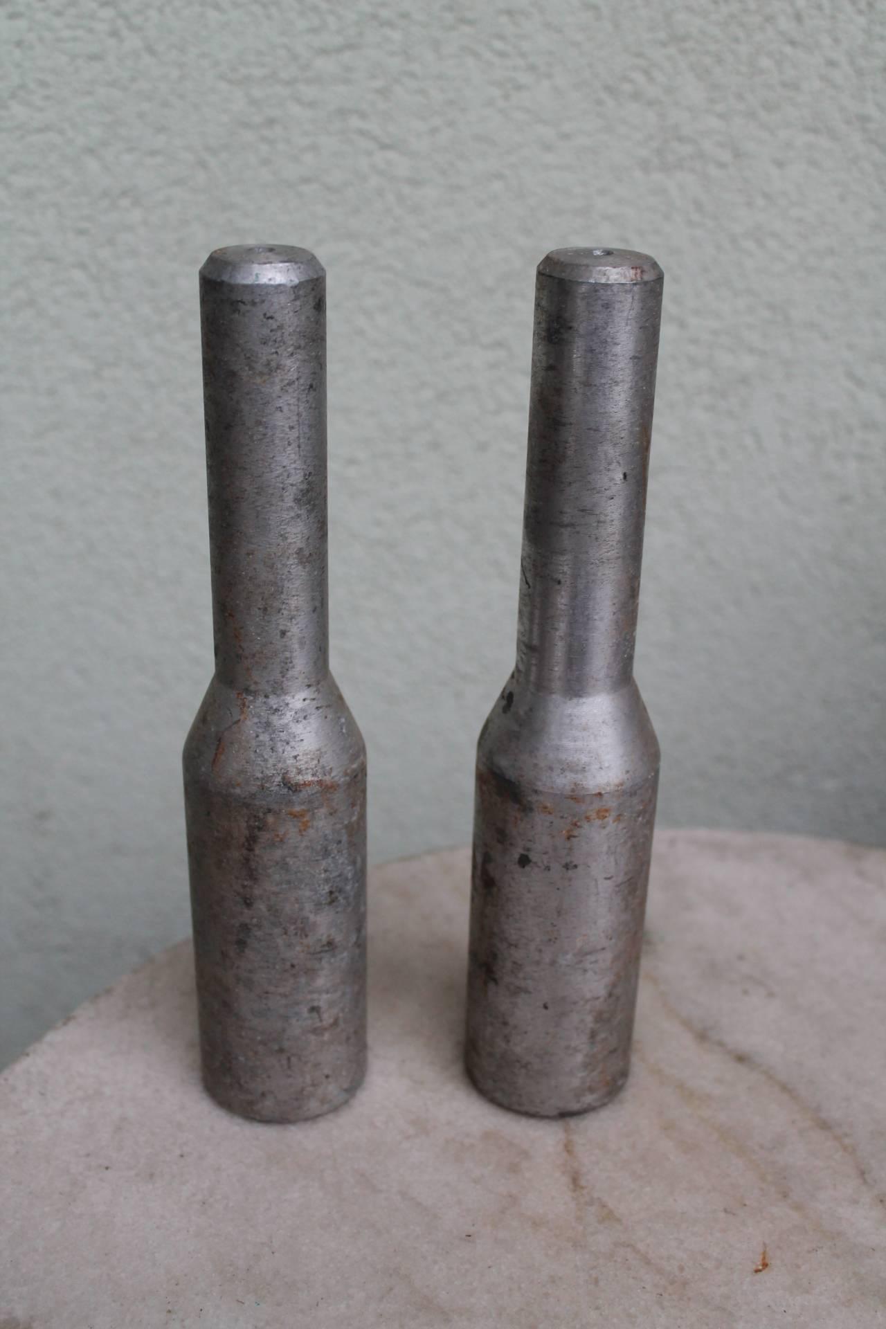 Mokyklines granatos. Kaina po 12