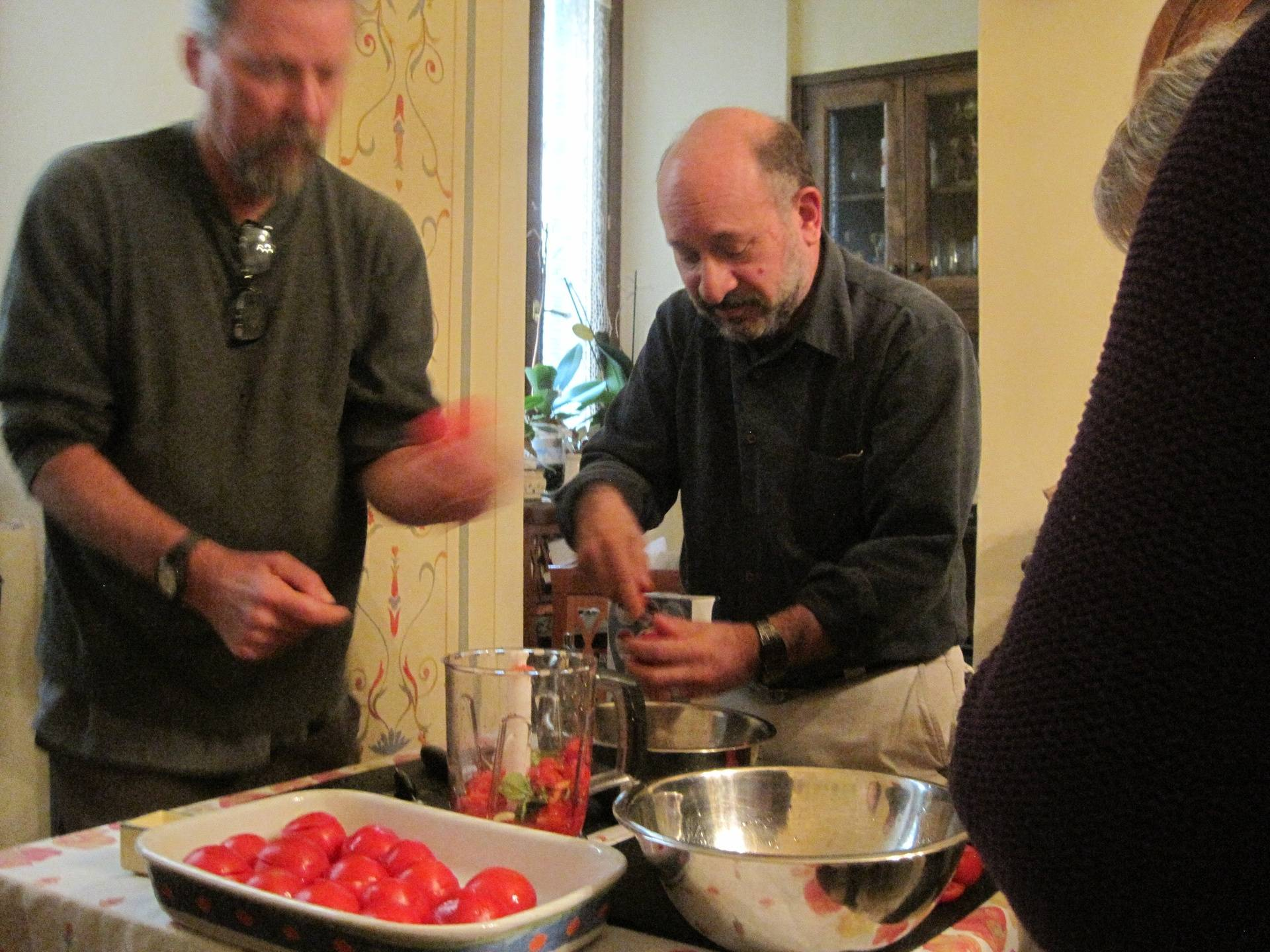 Preparing tomatoes for stuffing