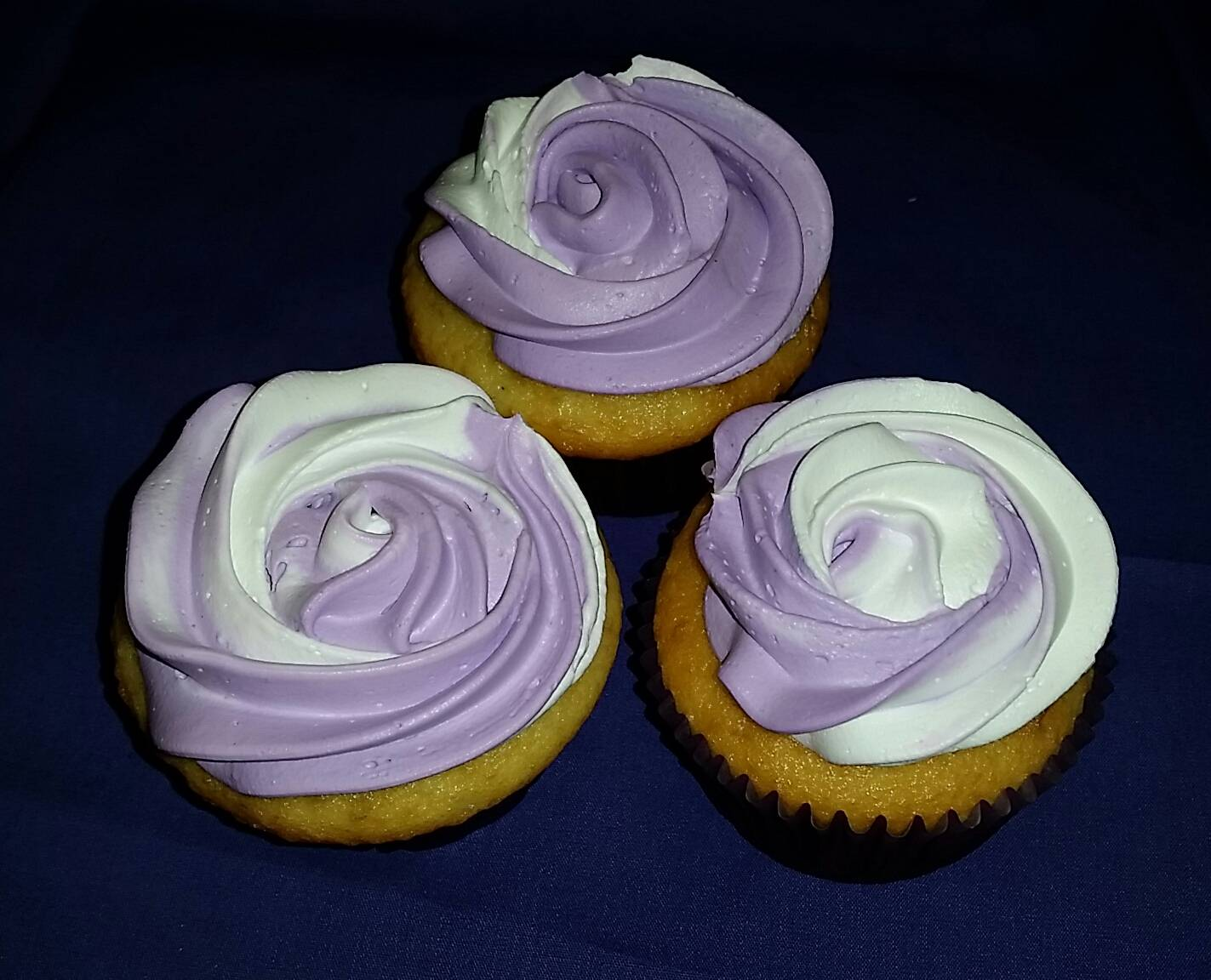 Two-tone cupcakes