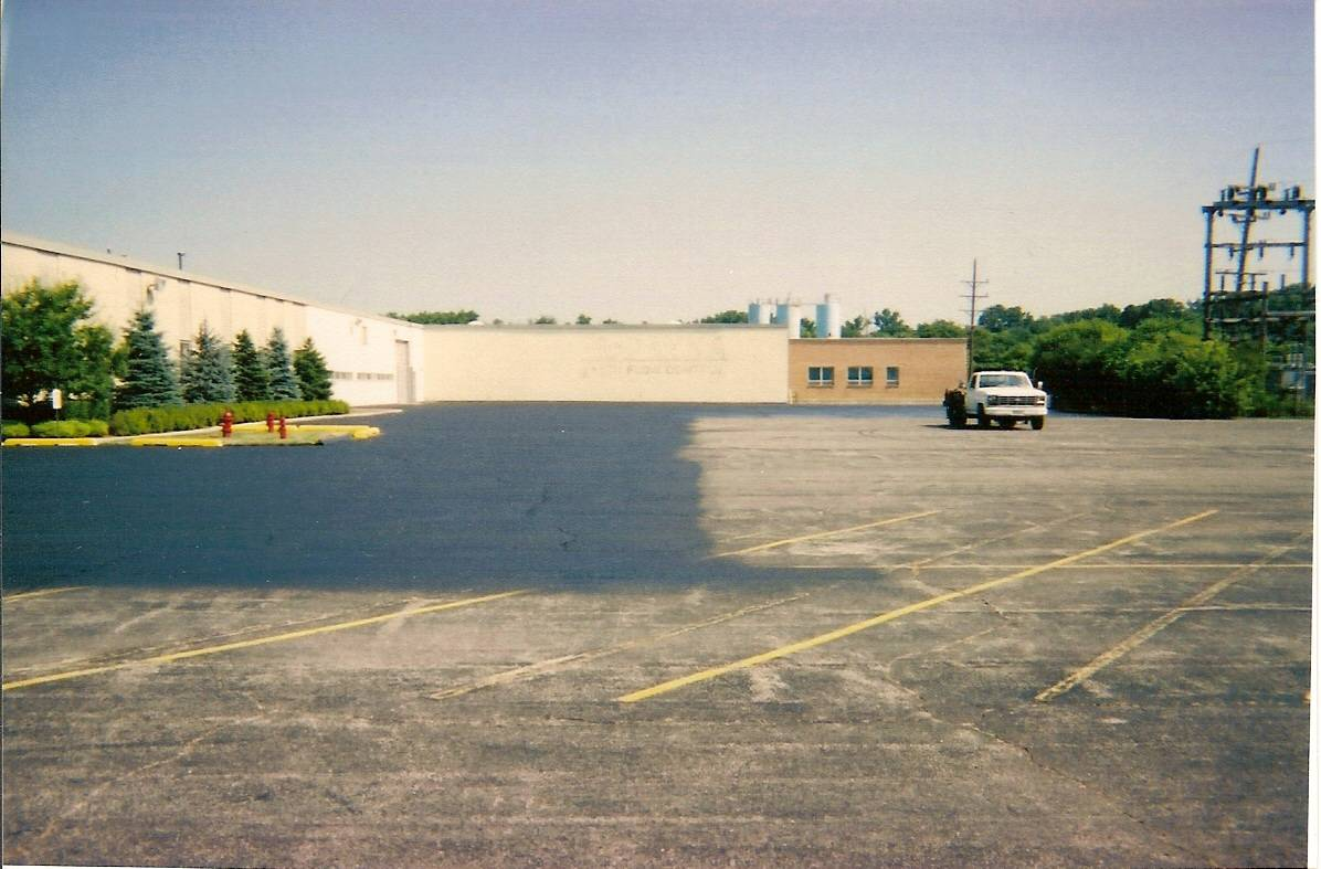 Dundee Illinois - Cross Containers & Nation Inc. - (1 of 3)