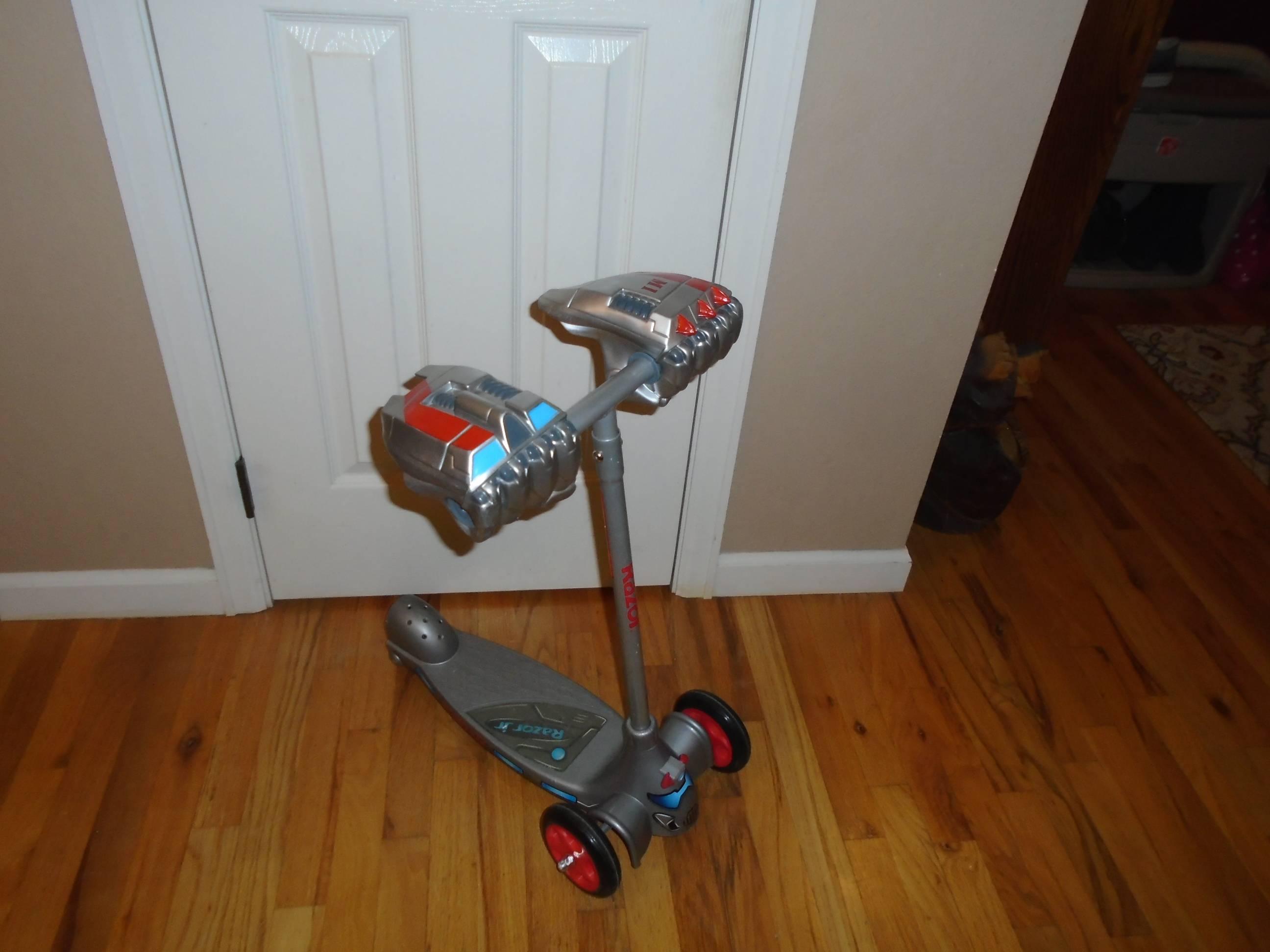 Razor Jr. T3 3 Wheel Scooter - $20