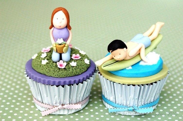 Individual bride & groom cupcakes