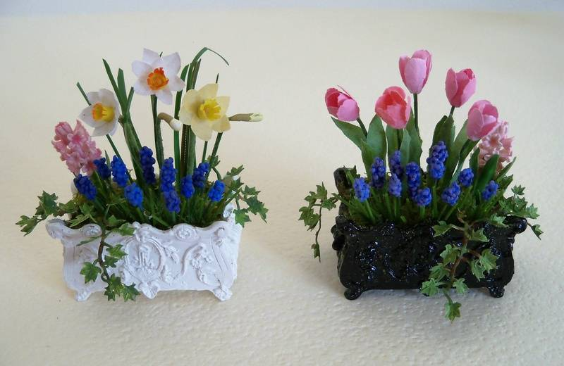 Two spring planters