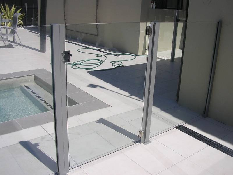 GLASS GATE WITH SQUARE POSTS