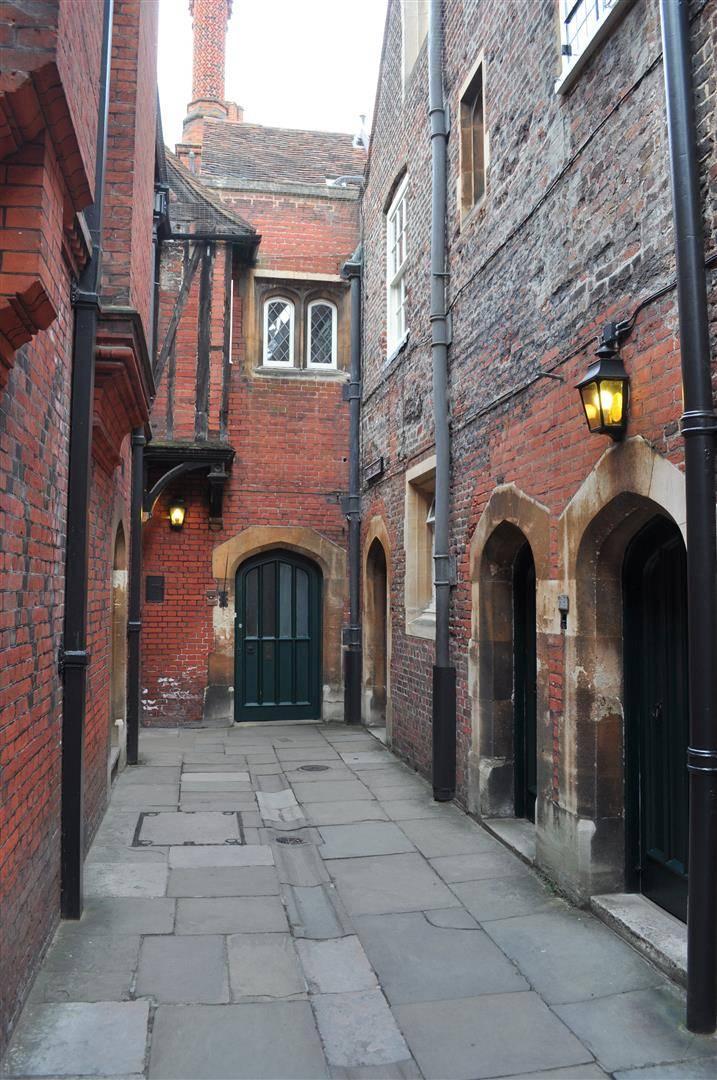 Fish Court 2, Hampton Court