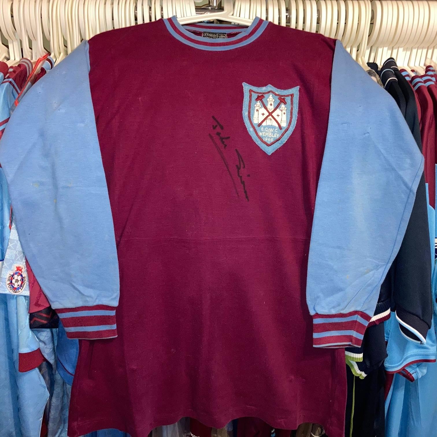 John Sissons worn and signed 1965 ECWC Final shirt.