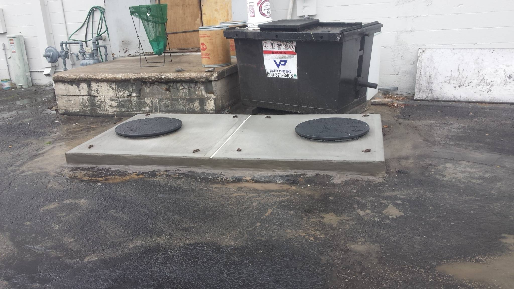 Commercial grease trap repairs.