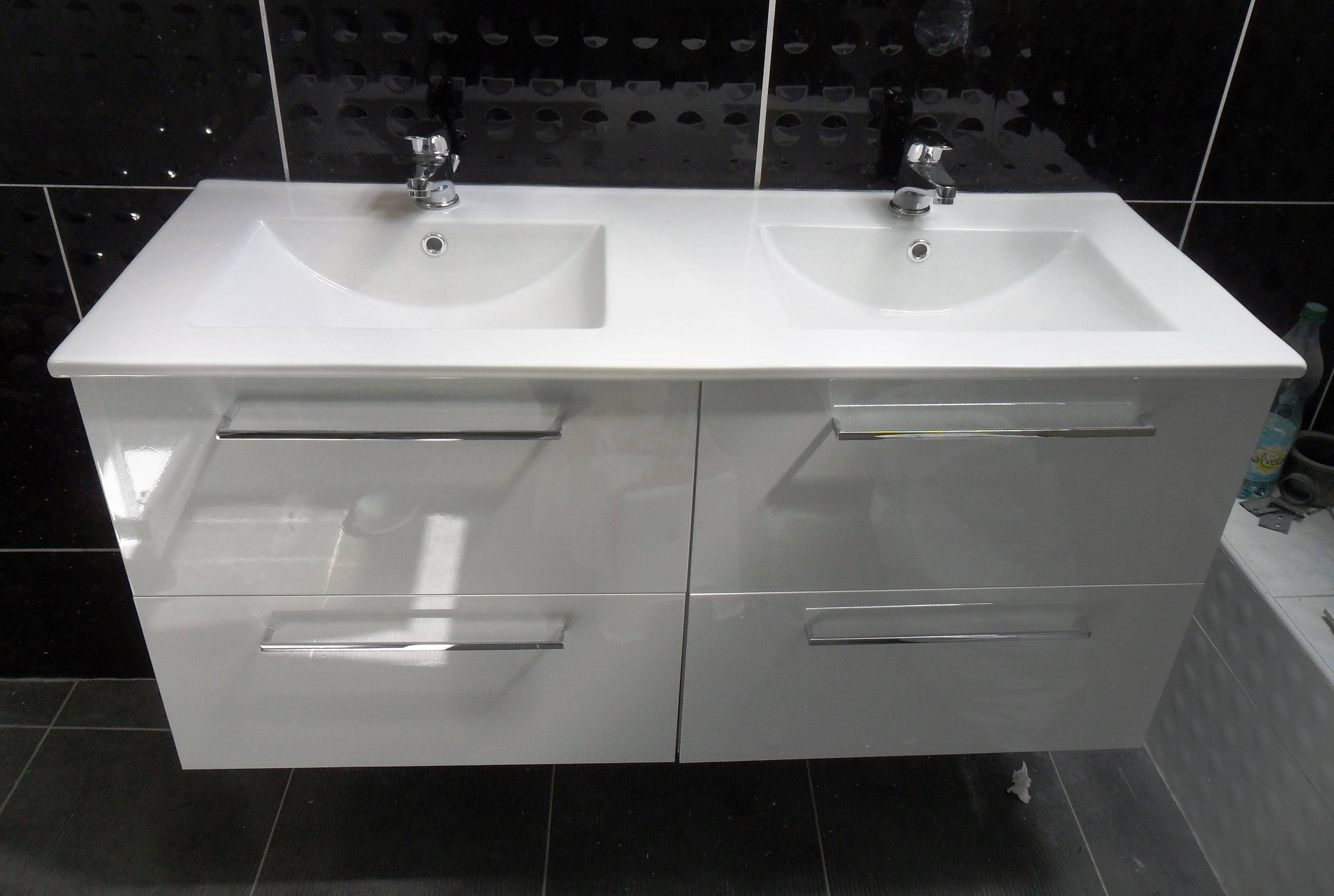 Double vasque en grès
