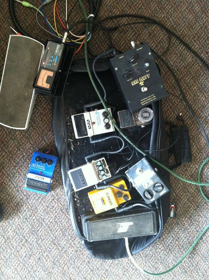 Trying out guitar pedals.