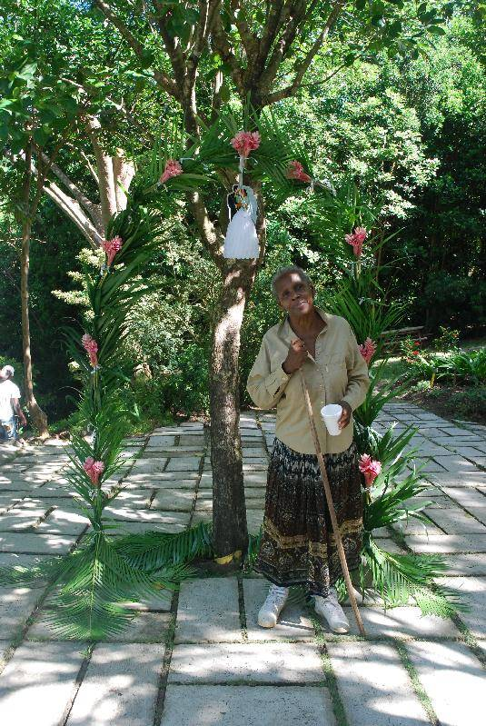 Annette gate-crashing a wedding at Mamiku gardens