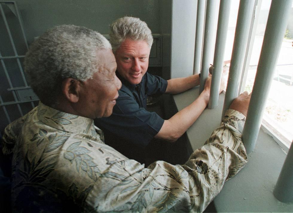 Mandela and Bill Clinton visits Robin Island jail