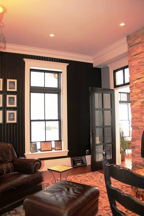 Moulures de corniches, cadrages de fenêtres