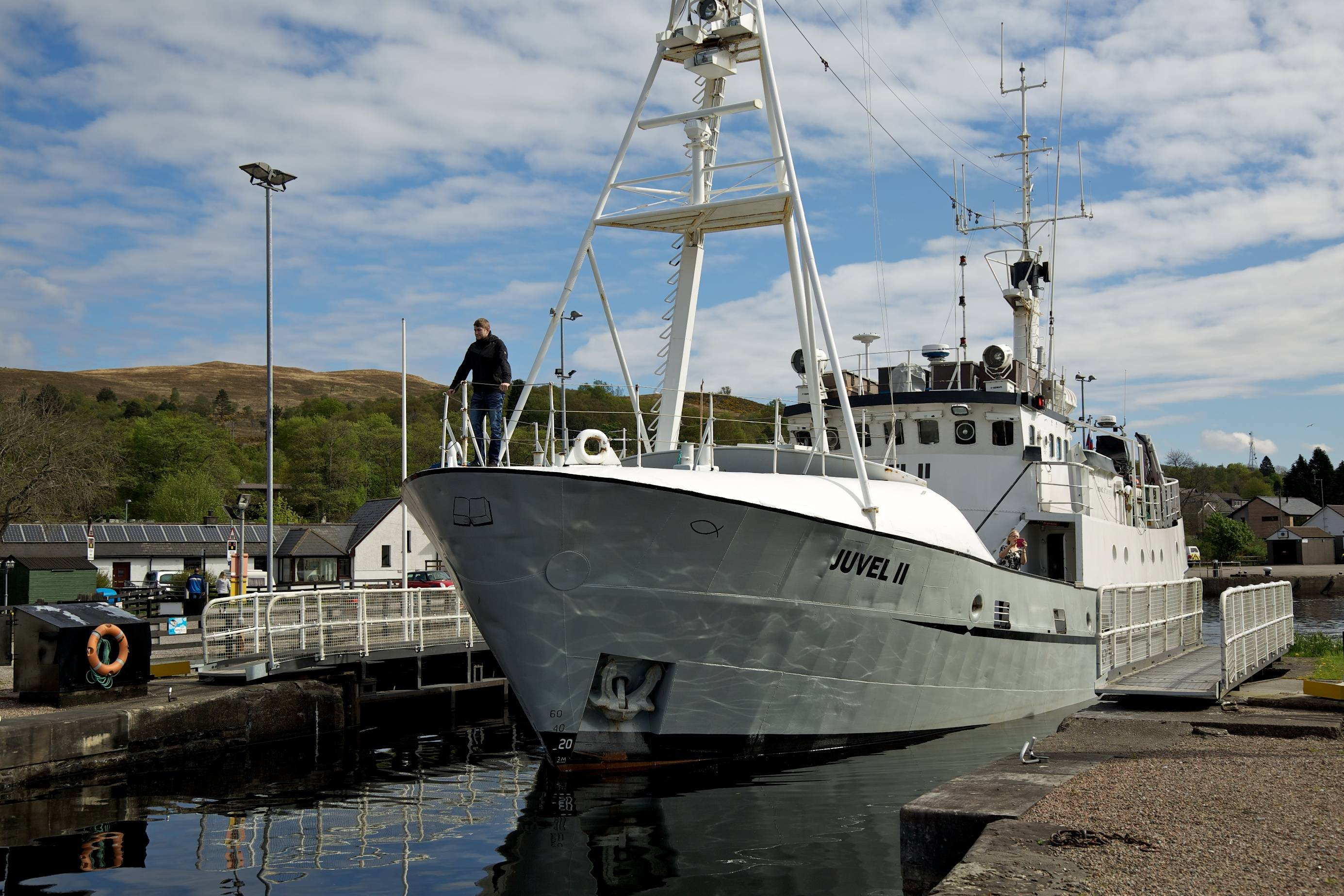 Juval II leaving the Caledonian Canal (West End)