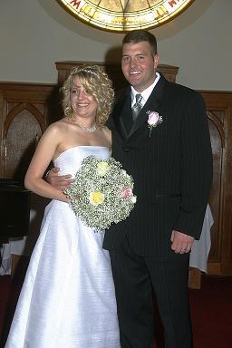Steidley Couple at Altar