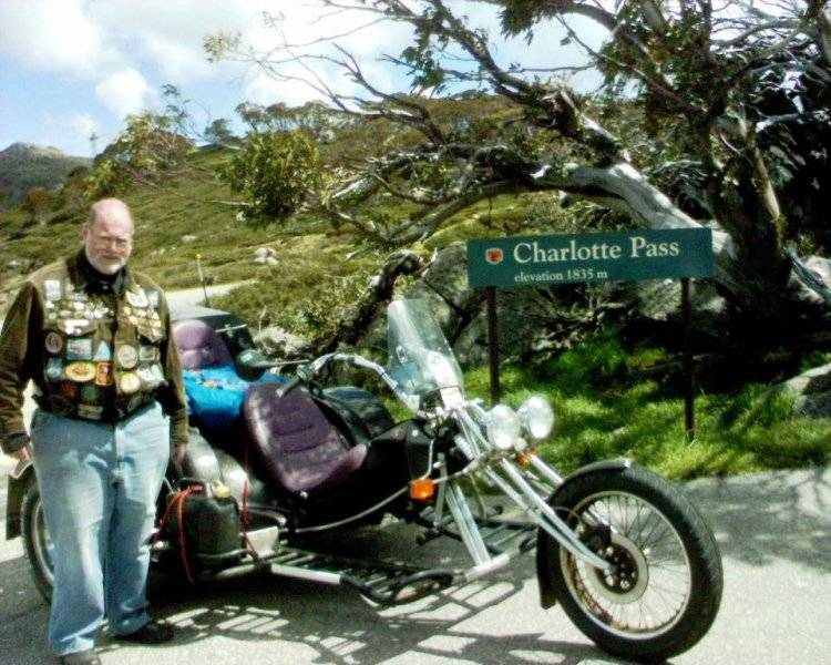 Tom with his Trike at Charlottes Pass - Nov 2005