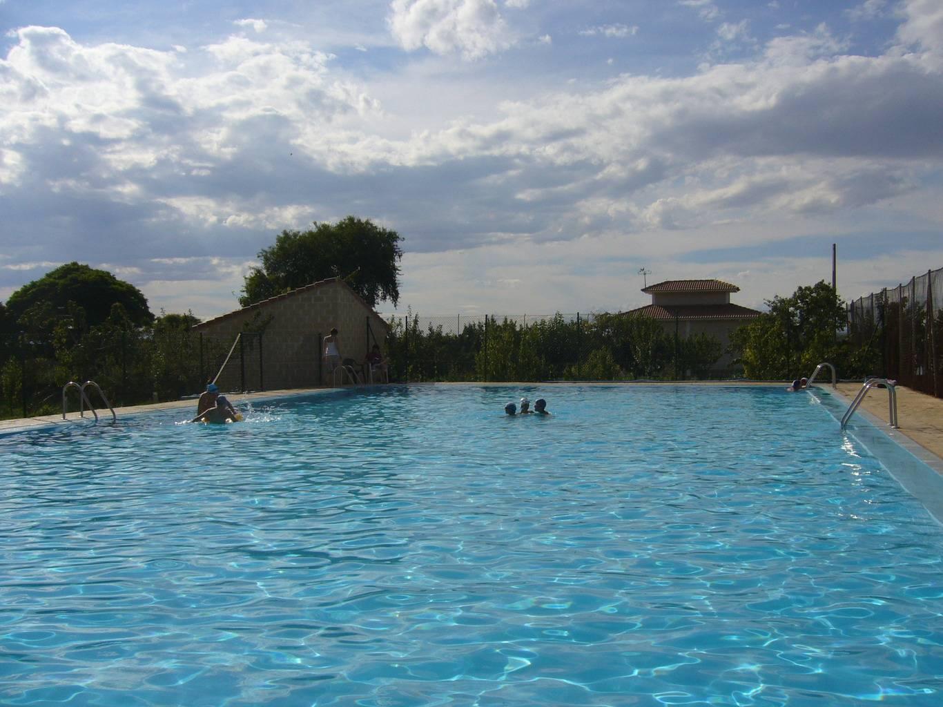 Momento relax en la piscina del Colegio