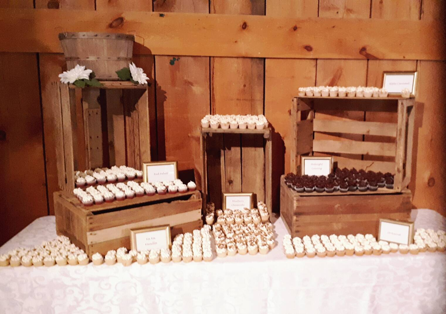 Wedding mini cupcakes