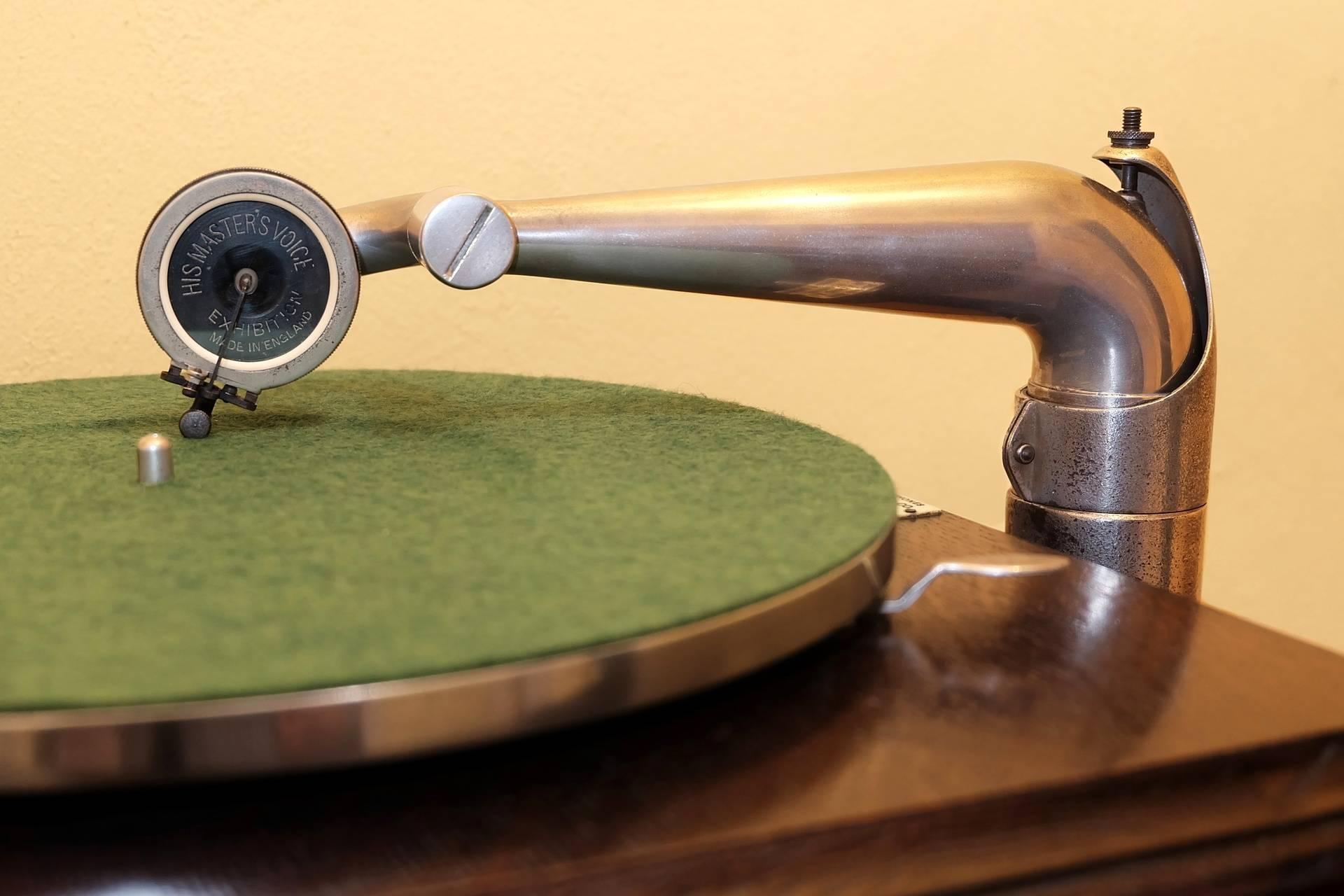 HMV58_008 Tone-arm