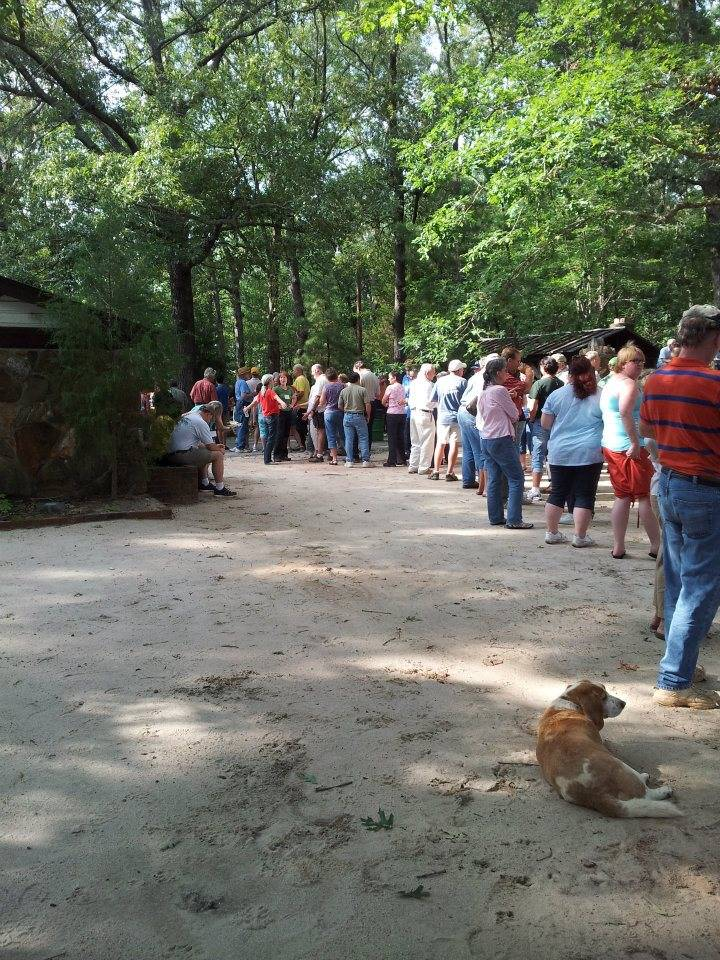 Even the dog waited in Line