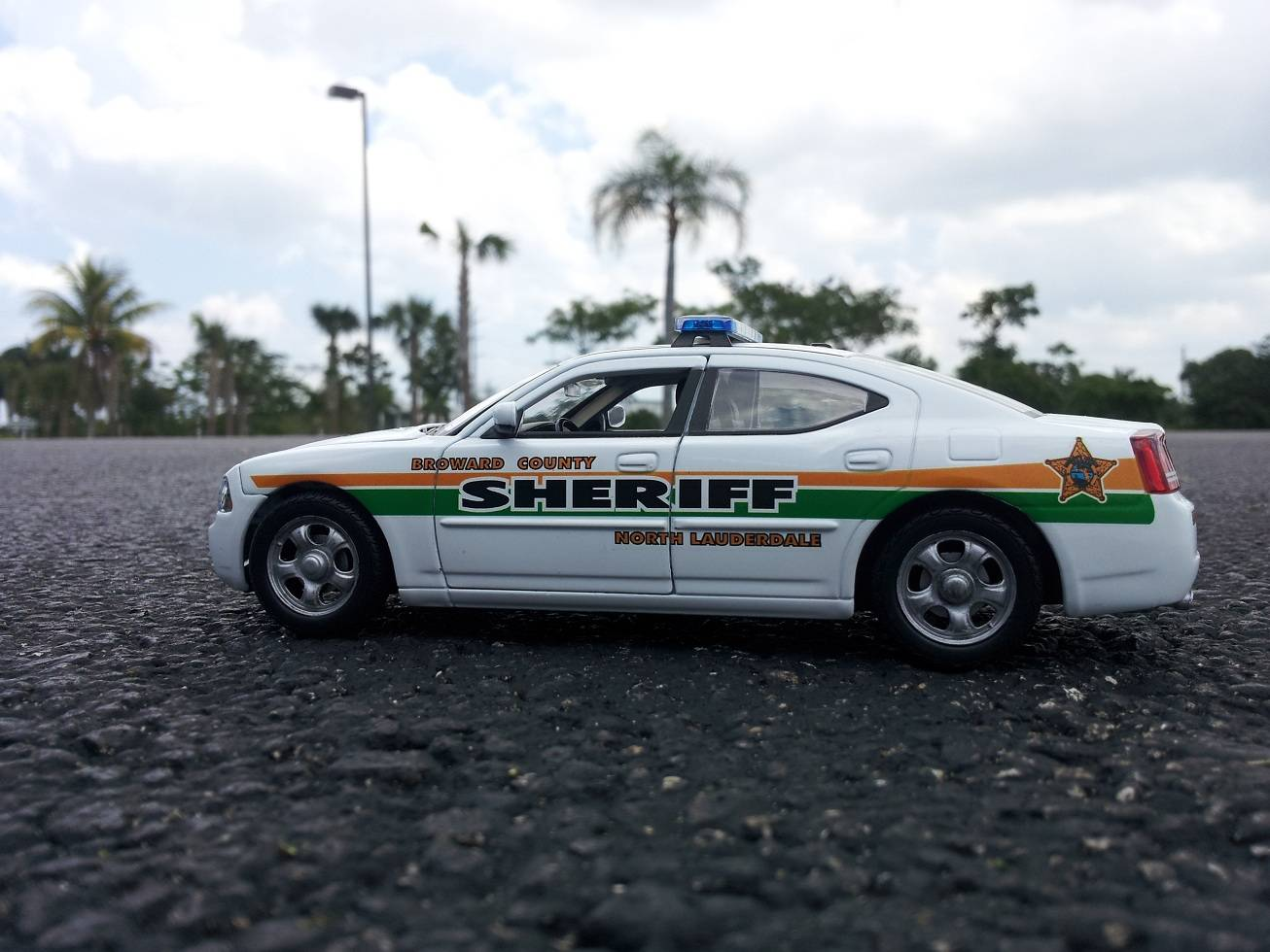 roward County Sheriff's Office, Florida (1/27 Charger)