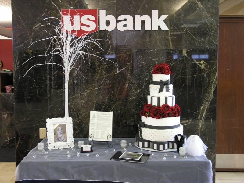 US Bank Display