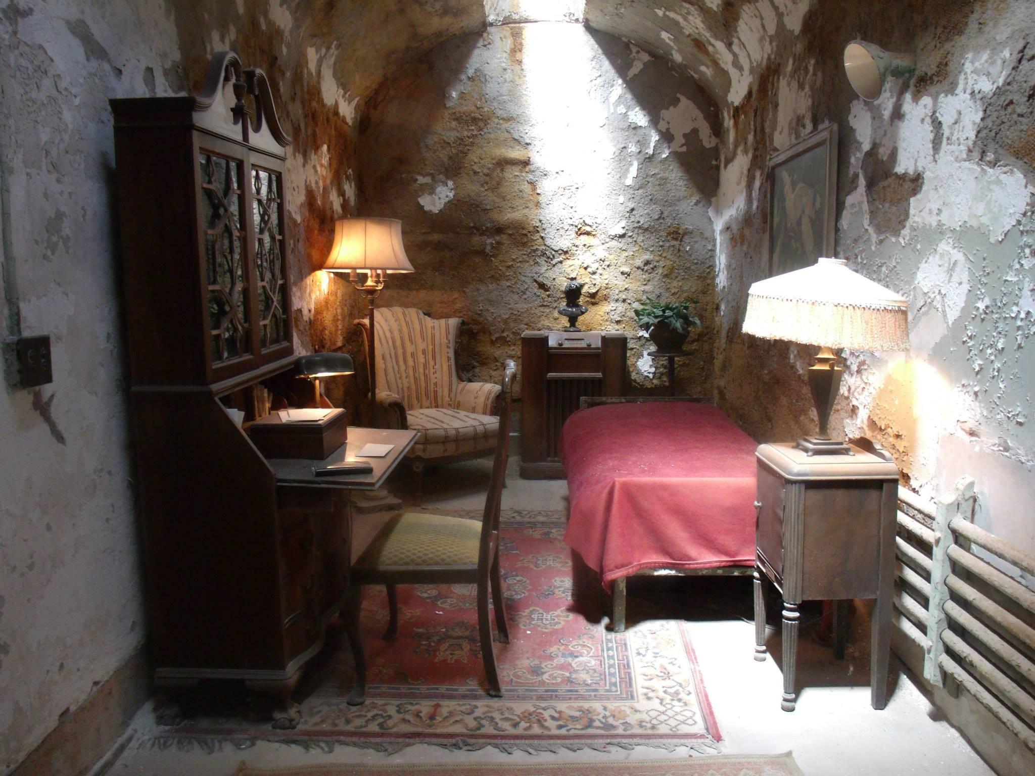 Al Capone's Cell - ESP