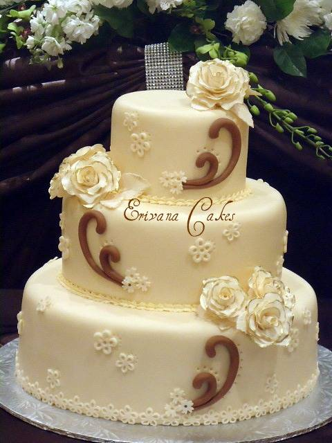 Brown and Ivory Wedding Cake 1