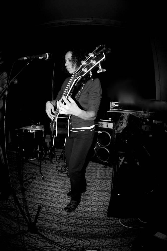 Nyika Goremsandu on bass