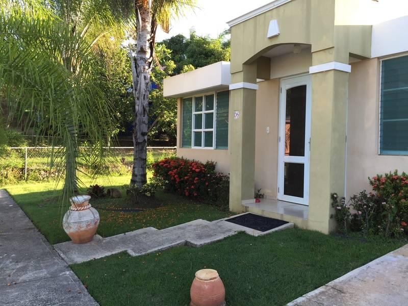 Residencia de 3h\2b cul-de-sac en solar de 670 m\2 Urb. La Hacienda, Cabo Rojo