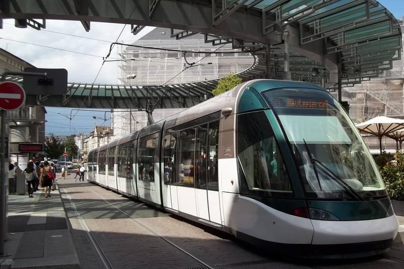 Alstom Citadis at Place de l'Homme de Fer