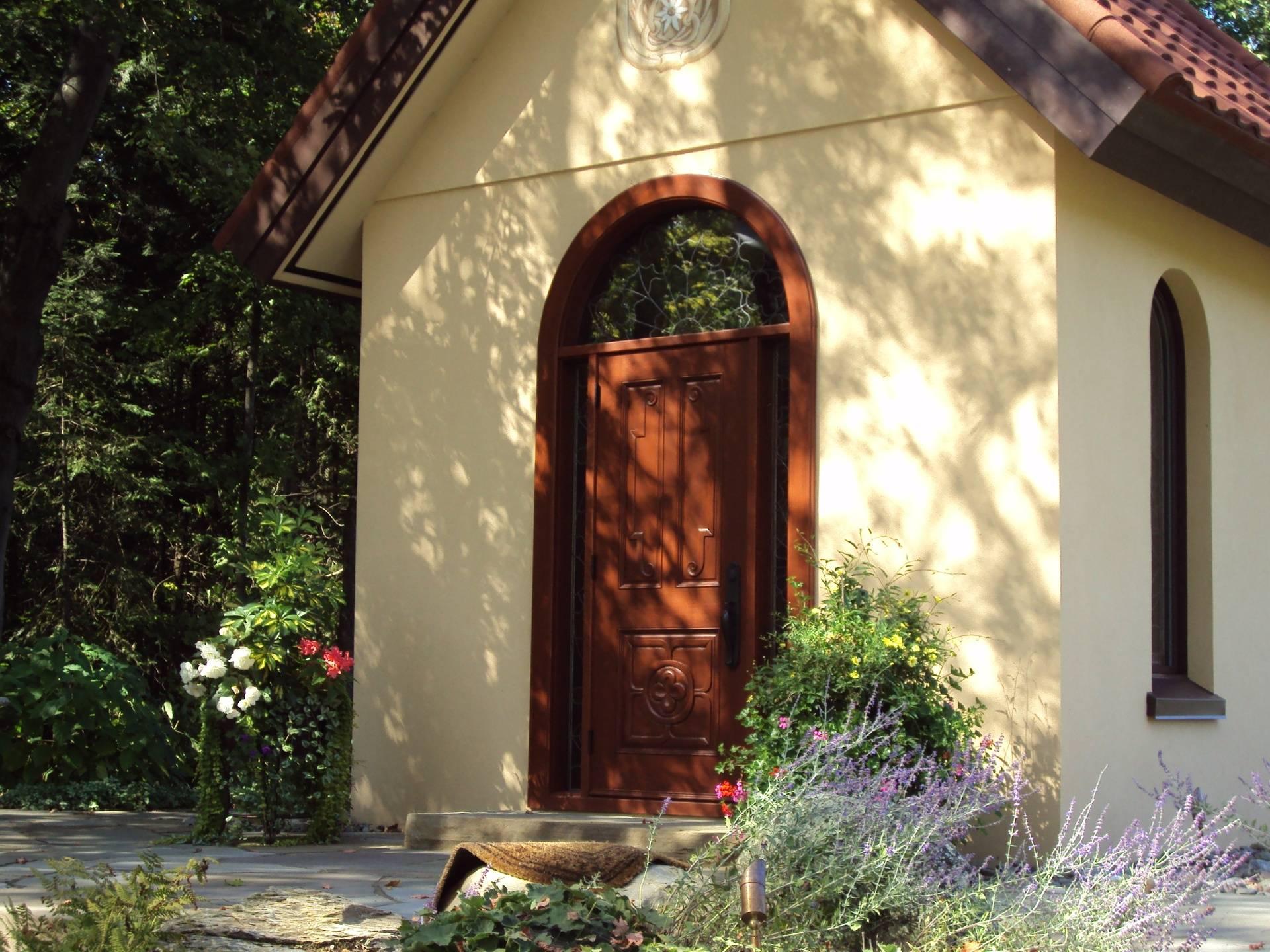 Porte extérieure en bois, pin