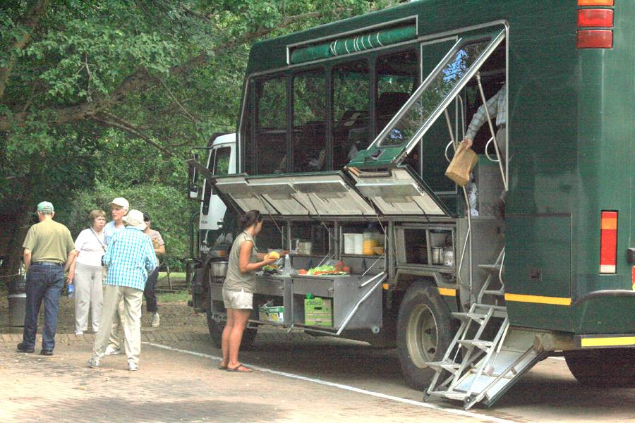 Safari long distance truck