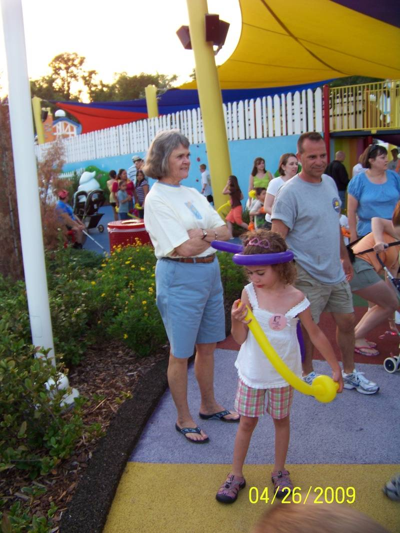GKTW has the largest Candy Land game