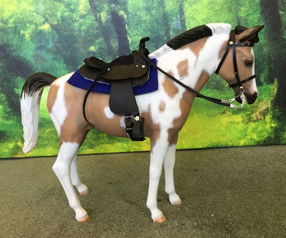 black pony saddle by me