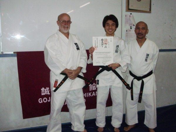 Charles Lu with his Shodan certificate